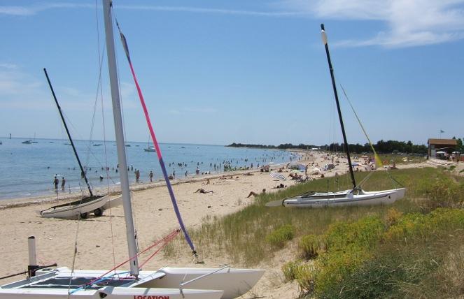 plage-sud-bateaux-activité